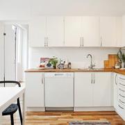 简洁白色厨房展示