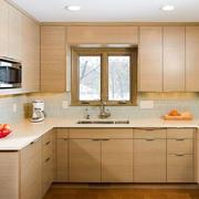 现代简约原木厨房展示