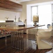 造型别致的原木餐桌