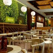 温馨精致小咖啡馆原木餐桌椅设计图片