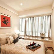 小户型温馨卧室飘窗