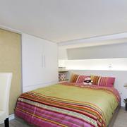 小户型卧室榻榻米床欣赏