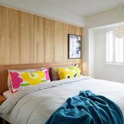 北欧卧室床头实木装饰