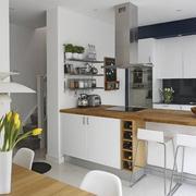 现代白色厨房图片欣赏