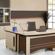 办公室咖啡色办公桌