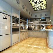 U字型厨房展示
