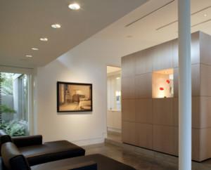 二居室现代简约欧式客厅隔断墙装修效果图