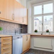 厨房原木色橱柜图片