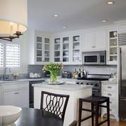 现代干净厨房展示