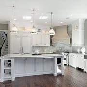白色厨房吧台展示