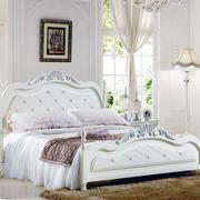 纯白色调卧室照片墙