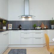 北欧厨房白色橱柜
