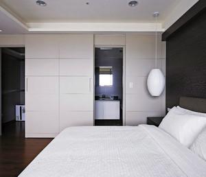 129平米家居精致卫生间隔断门装修效果图