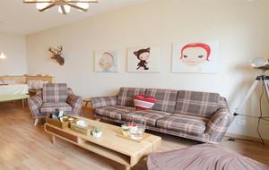 小户型简约客厅背景墙
