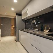 小户型实用型厨房欣赏