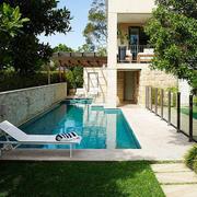 别墅小型游泳池装饰