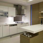 厨房白色橱柜展示