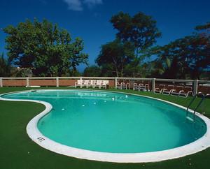 机具活力的现代儿童游泳池设计效果图鉴赏
