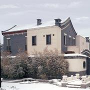 寒冬下的小别墅外观