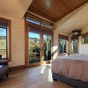 大卧室地板设计展示