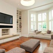 浅色调日式小客厅飘窗装修设计效果图