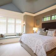度假小别墅现代卧室飘窗装修设计效果图