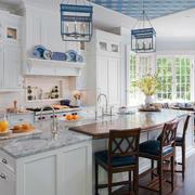 现代厨房整体图