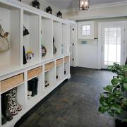 白色时尚鞋柜图片