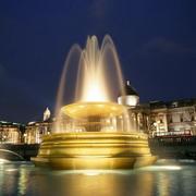城市大型喷泉图片