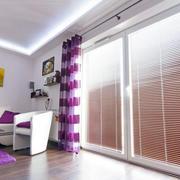 两居室简约小客厅落地玻璃窗装修效果图