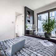 82平米公寓现代风格卧室落地玻璃窗装修图
