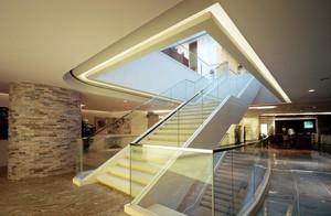 2016大型豪华现代酒店楼梯装修效果图