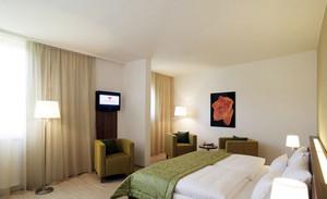 2016温馨现代宾馆大卧室装修效果图