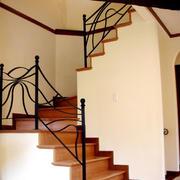 跃层家居住宅自然楼梯个性扶手装修效果图