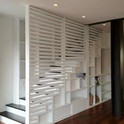全新现代化小户型楼梯置物柜装修效果图