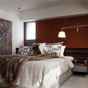 三居室卧室抽象画展示