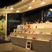 前卫摩登范儿鞋店