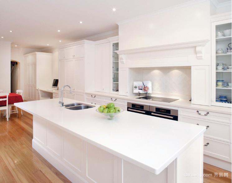 2016欧式风格大户型厨房装修效果图实例