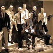高级男士服装店橱窗