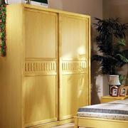 原木色实木衣柜展示