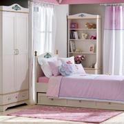 粉色小卧室衣柜展示