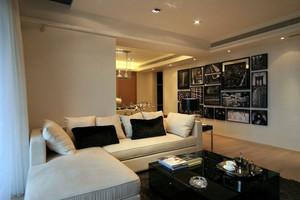 酒店式公寓朴素小客厅黑白装饰画图片
