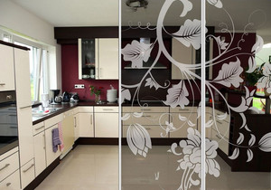 大户型温馨现代厨房艺术玻璃隔断门图