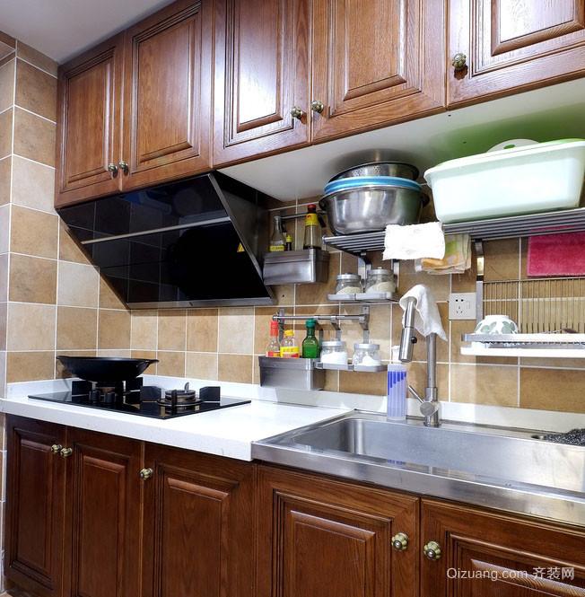 东南亚厨房实木橱柜展示