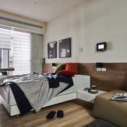 30平米小户型床头装饰画