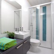 宜家小浴室干净精美装修效果图