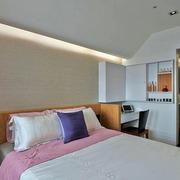 小户型卧室床头装饰