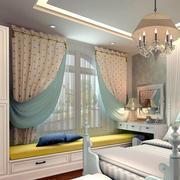 时尚前卫的卧室窗帘