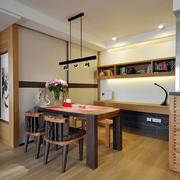 小户型餐厅实木餐桌椅