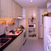 舒适温馨小厨房图片